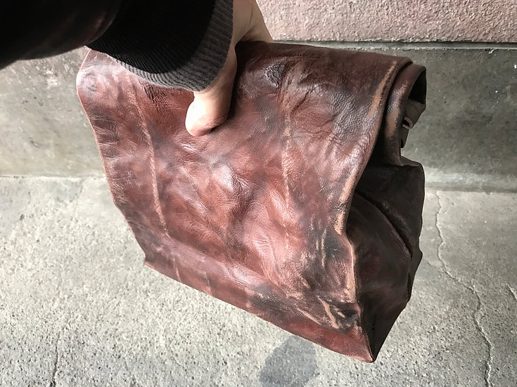 BW leather paper clutch bag [BB]