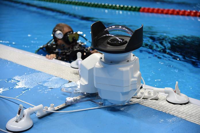 Underwater head 1200 x 800.jpg