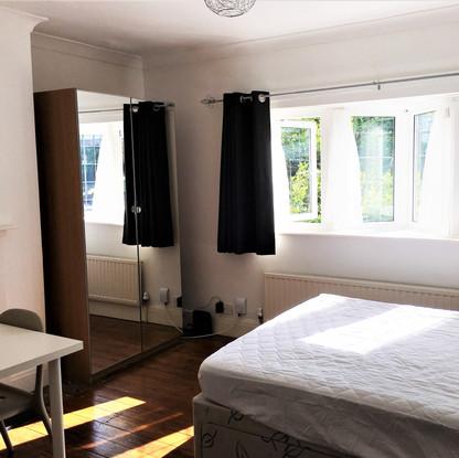 A2 MASTER BEDROOM 4 143BEV.JPG