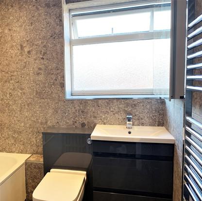 A10 MASTER BATHROOM 14BRIT.jpg