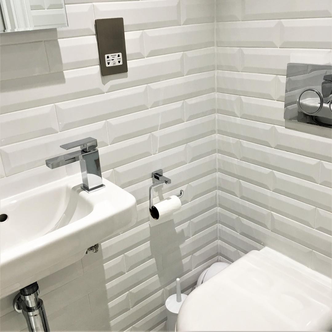 A8 MASTER BEDROOM 1 ENSUITE 1WILL.JPG