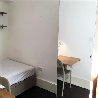 A21 MASTER BEDROOM 1 143BEV.jpg