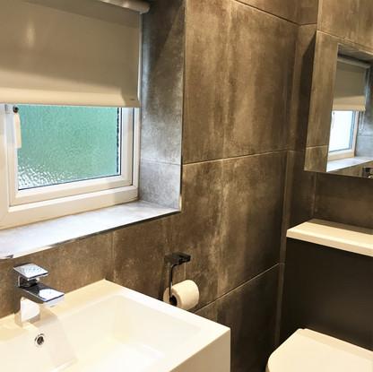 A4 MASTER BATHROOM 15EFF.JPG