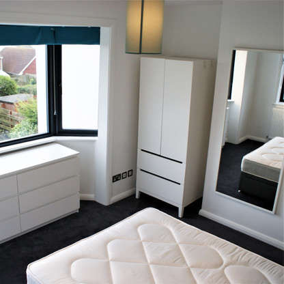 A13 MASTER BEDROOM 4 8IVOR.JPG