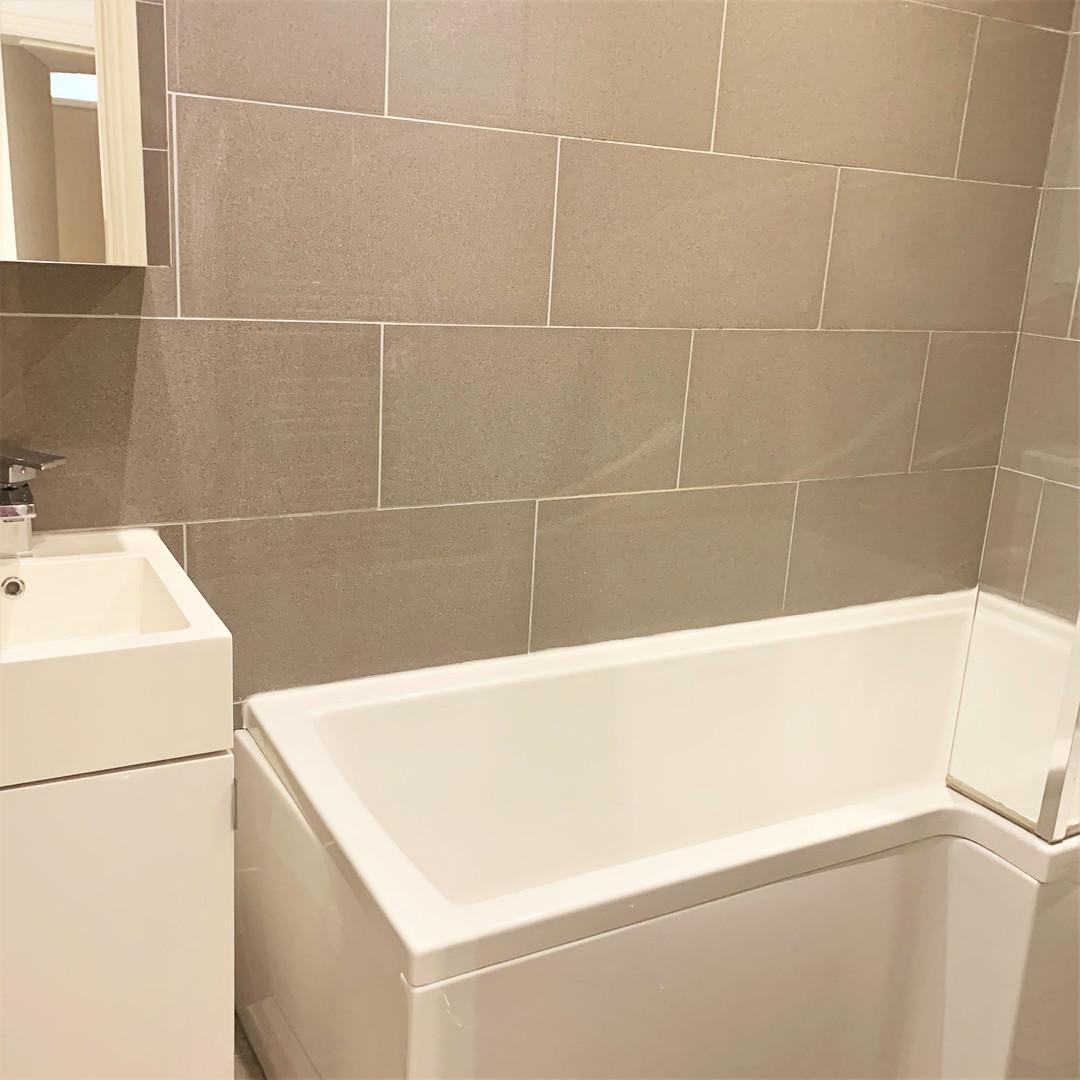 A8 MASTER BATHROOM 28ORI.jpg