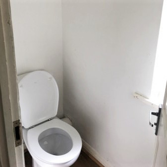 A19 MASTER CLOAKROOM 134HILL.jpg