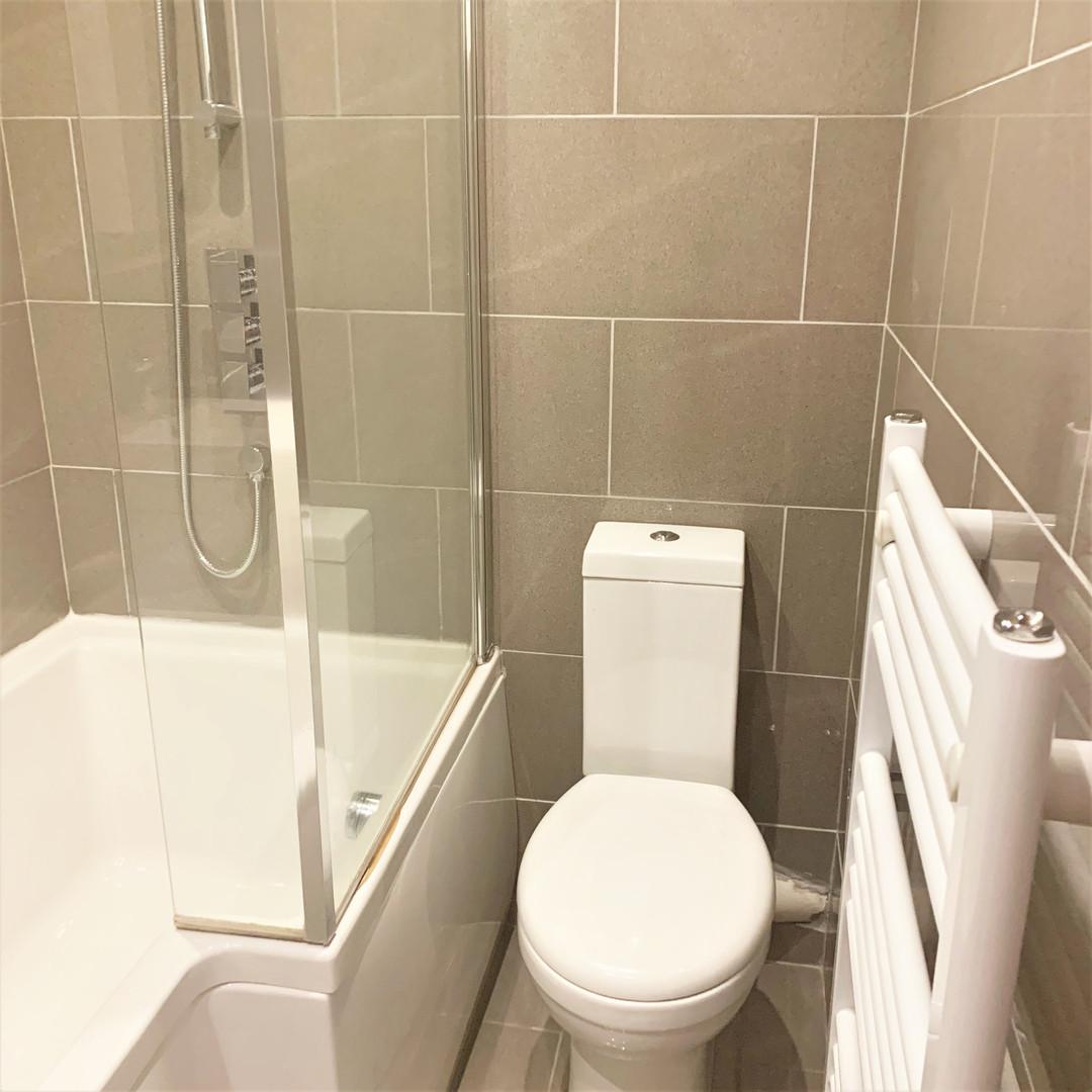 A9 MASTER BATHROOM 28ORI.jpg