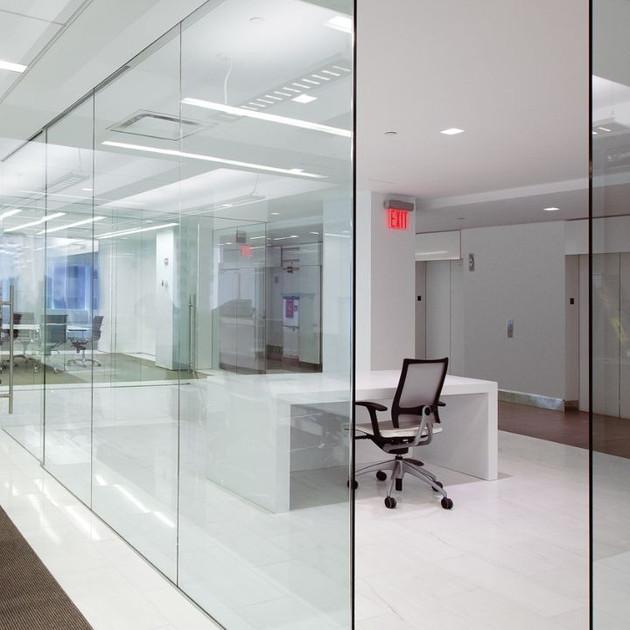Стъклени витрини и врати с 10мм стъкло