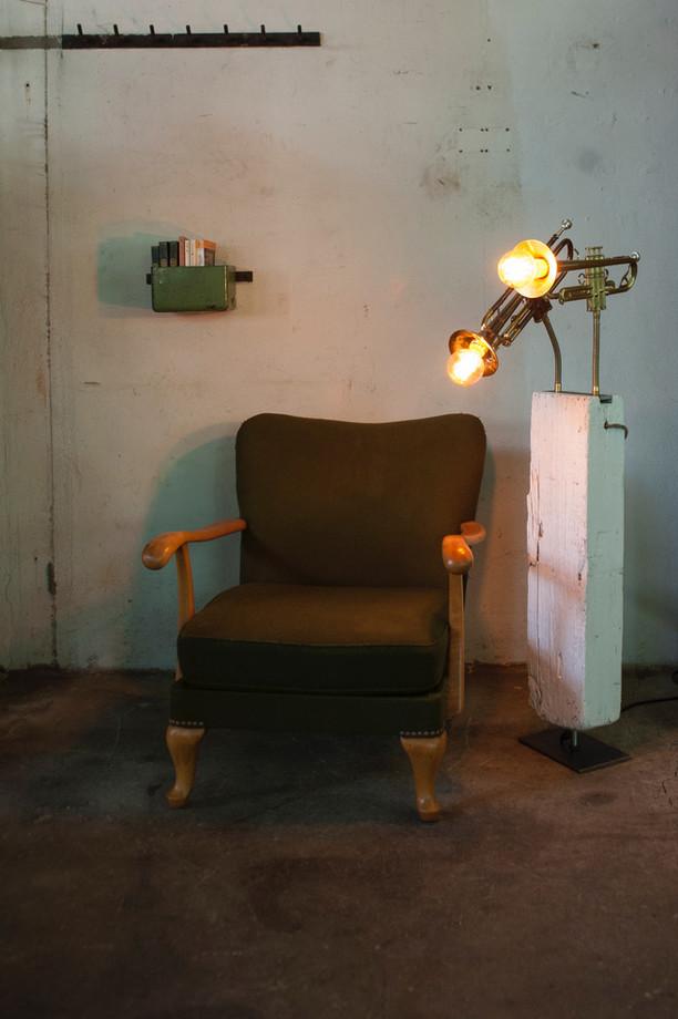 zweitrompetenlampe