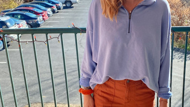 Styling Complementary Colors in Fashion