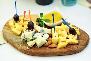 cheese-3985023_1920.jpg