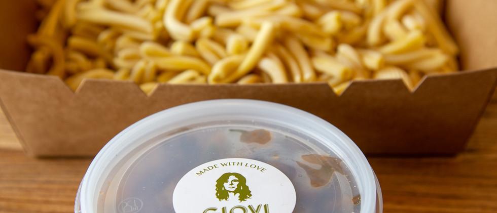 Giovi take away pasta in box