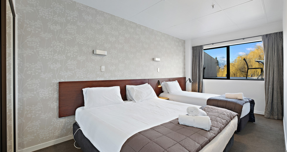 Unit 5 bedroom 1.jpg