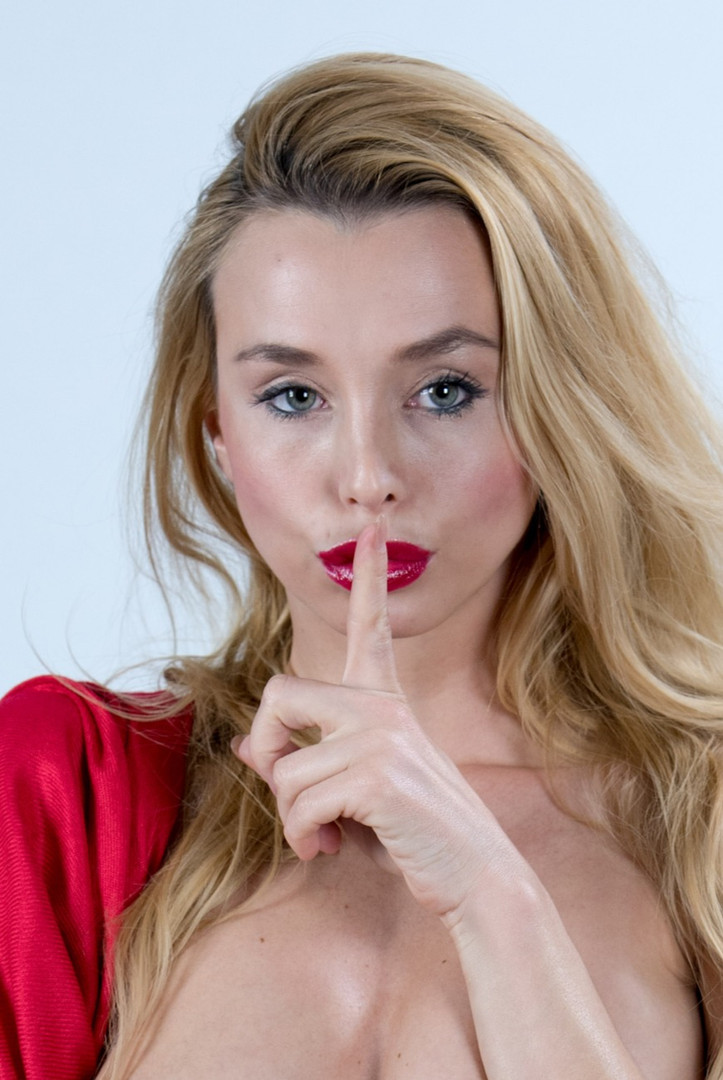 Coxy Dominika Secrets