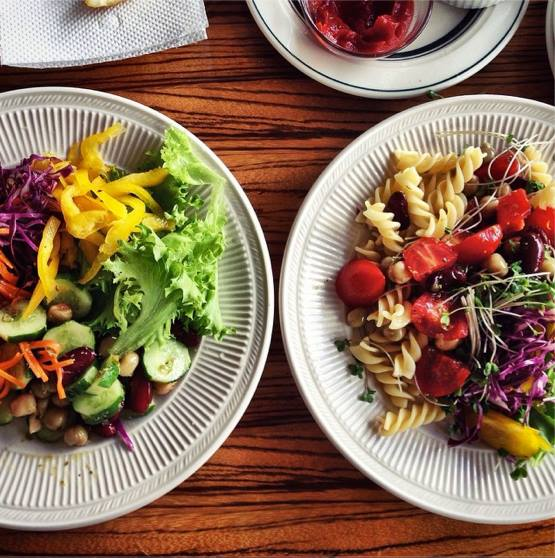 Mason jar Salad ¥800(+¥100でバケット付セット)