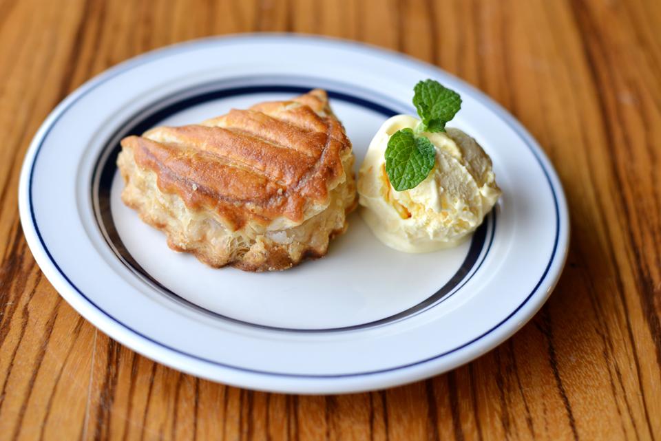 アップルパイ バニラアイス添え ¥500