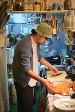 店主のJOEです。料理に夢中です。