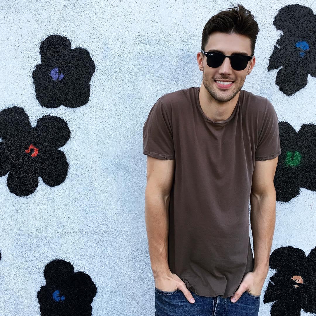 LA Flower Wall