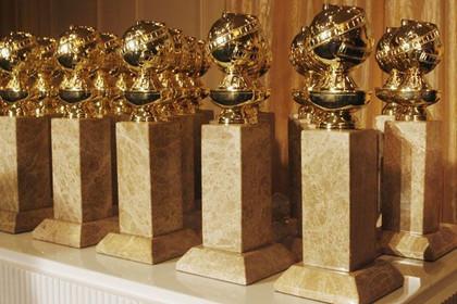 imagem com os prêmios do globo de ouro lado a lado