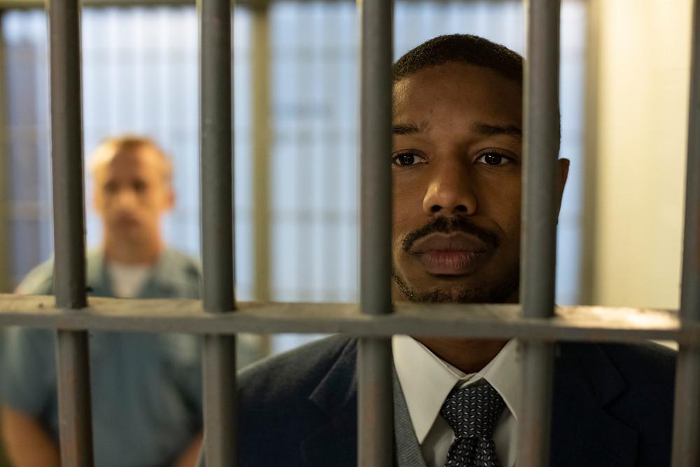 Ator Michael B. Jordan em cena do filme Luta por Justiça