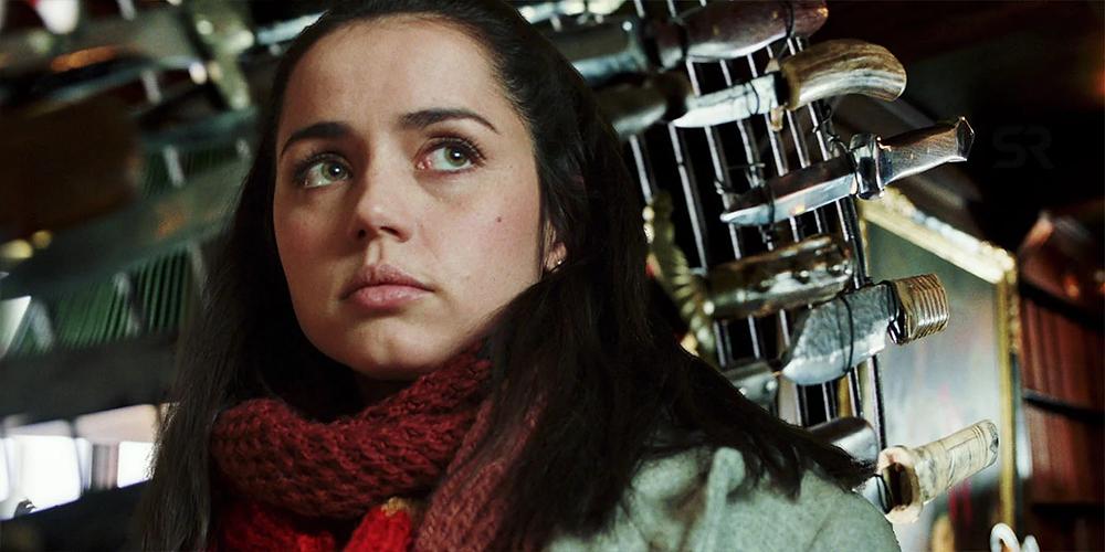 Ana De Armas em cena do filme Entre Facas e Segredos