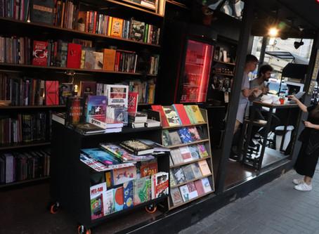COMBO Café & Cultura - a banca que foi transformada numa livraria.
