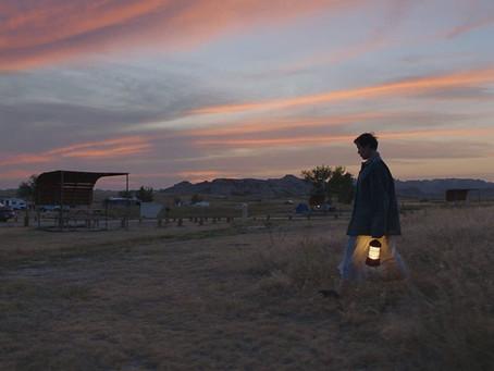 Nomadland retrata, poeticamente, a tentativa de encontrar um sentido na vida após perdas
