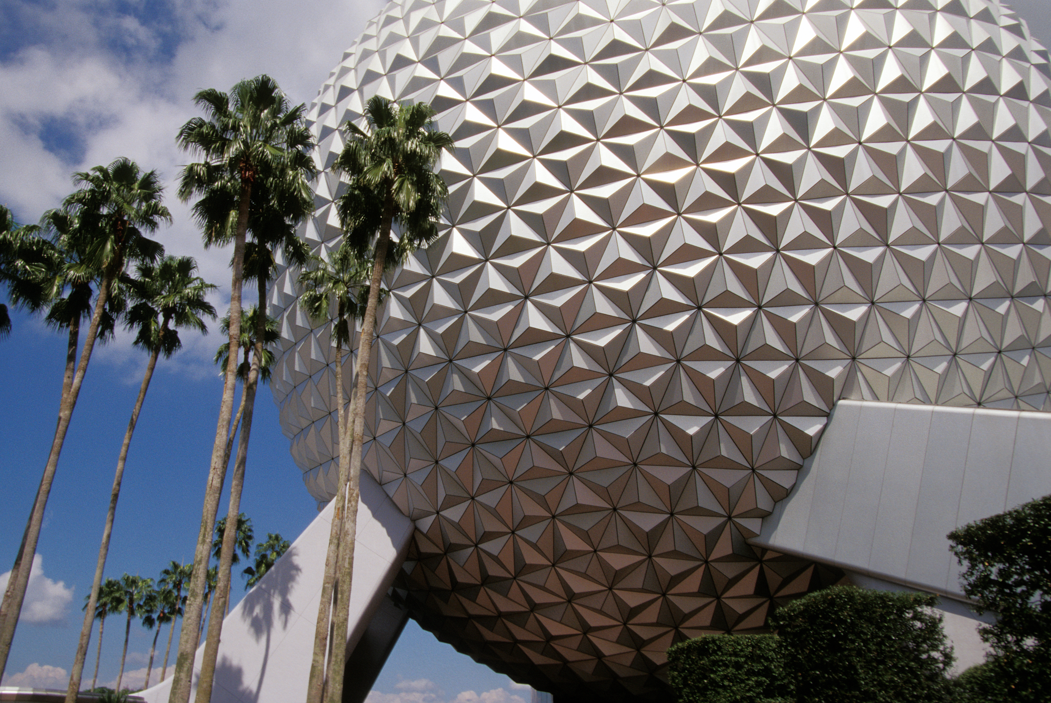 Epcot spaceship earth.jpg