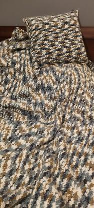 Adult Throw - Suzette Stitch