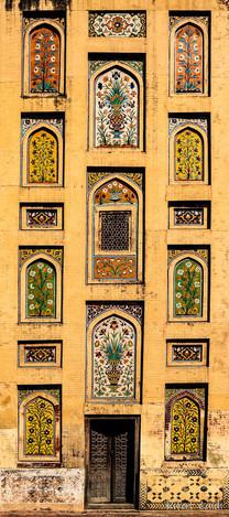 wazir khan wall 8