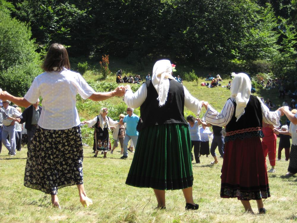 Folklorefest in Karandila