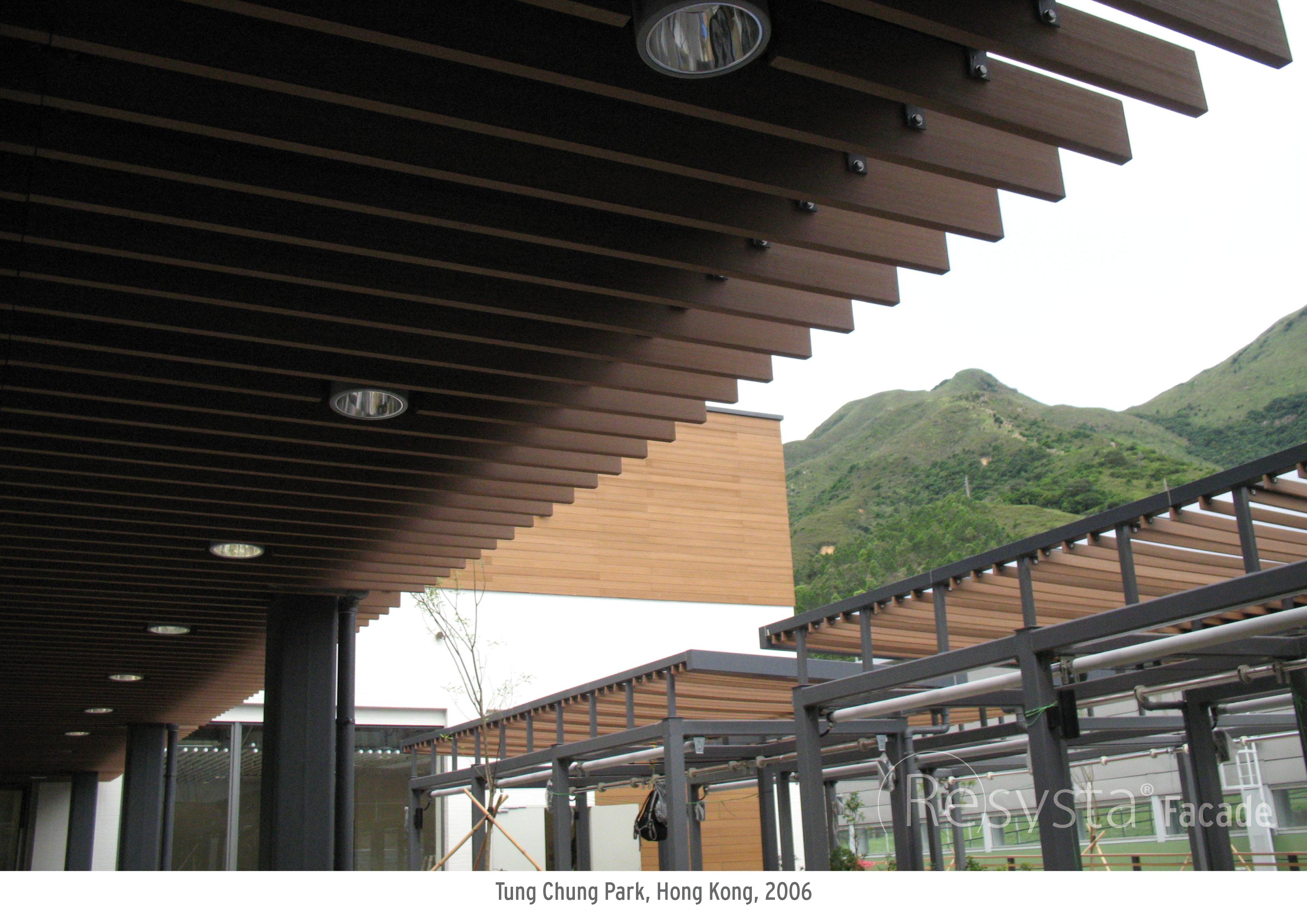 Tung_Chung_Park_Hong_Kong_2006_07
