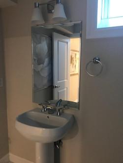 Beveled Pedestal Mirror
