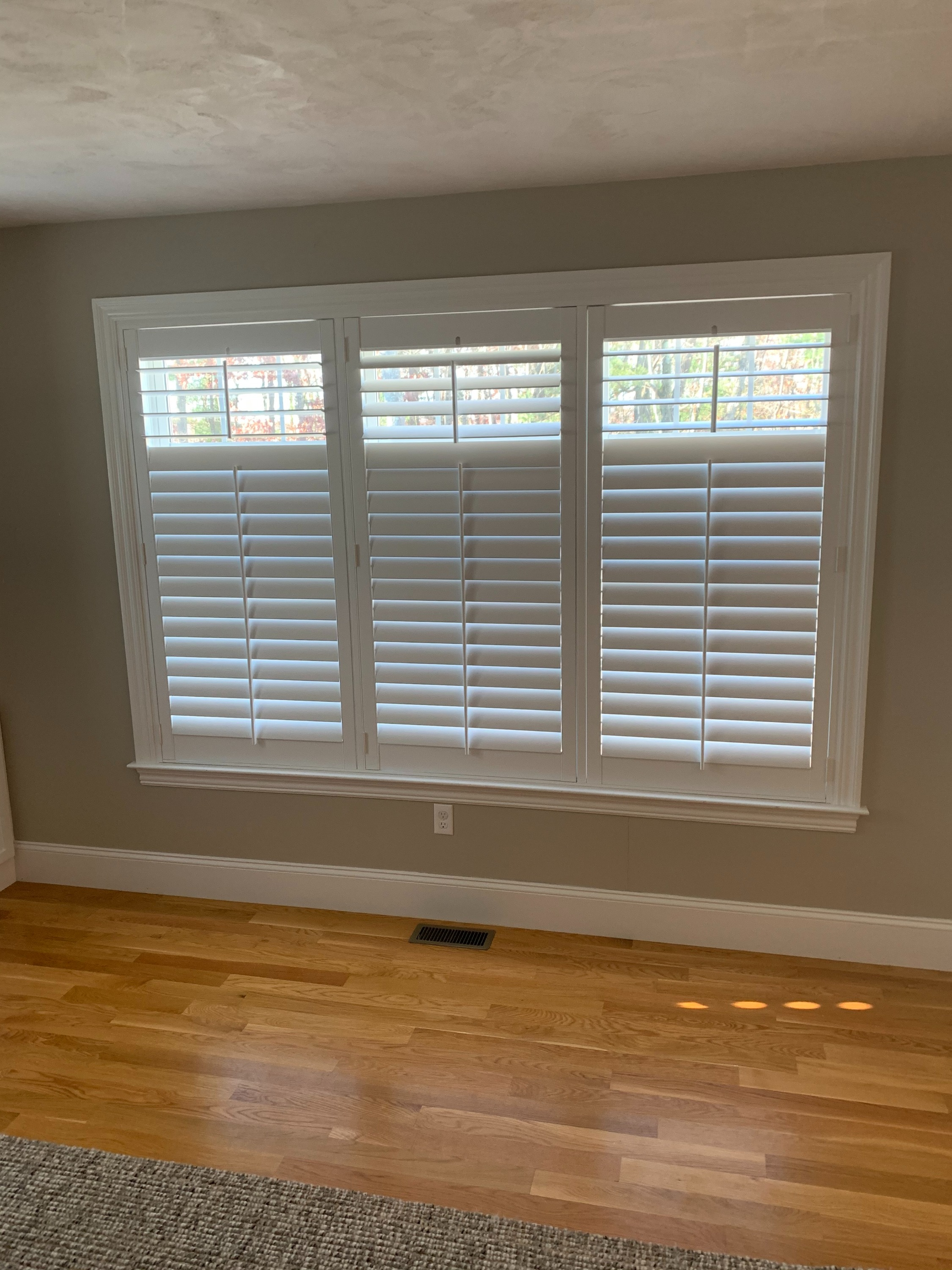 Full Shutters with Split Tilt