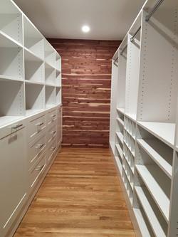 White Classica Walk-in Closet