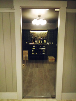 Frameless Door for Wine Cellar Closed