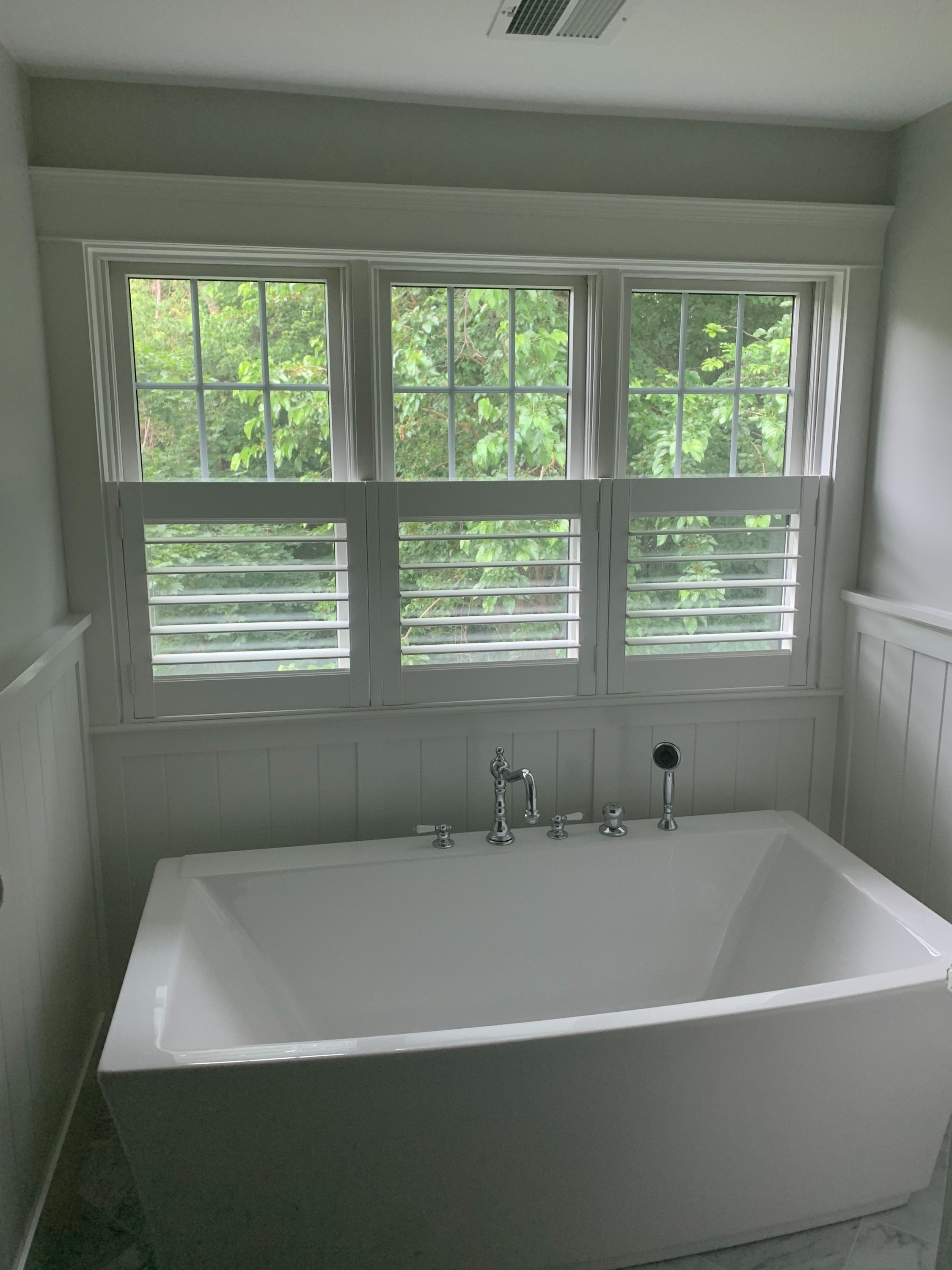 Cafe Shutters Over Tub