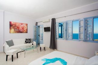Superior (Balcony) Rm2 Bedroom