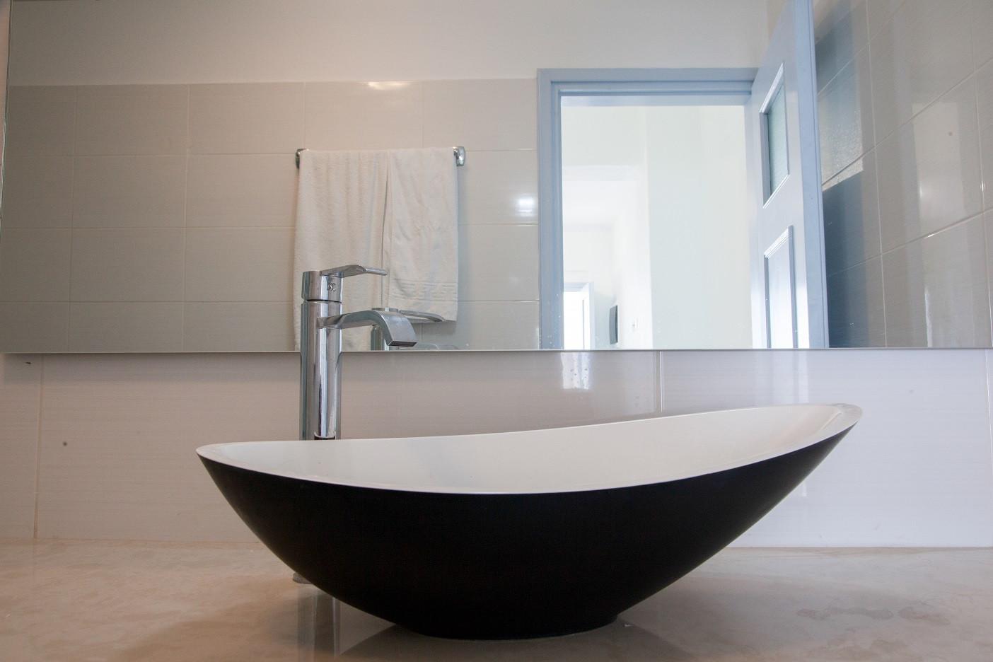 1 Bedroom (Rm22) Bathroom.jpg