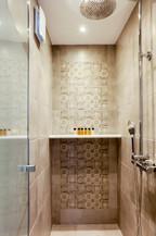 Studio (Balcony) R4 shower
