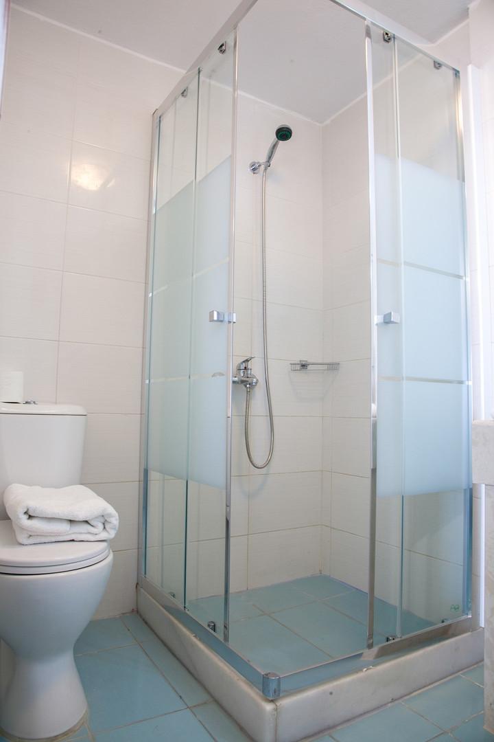 Superior (Veranda) Rm 24 Bathroom Shower