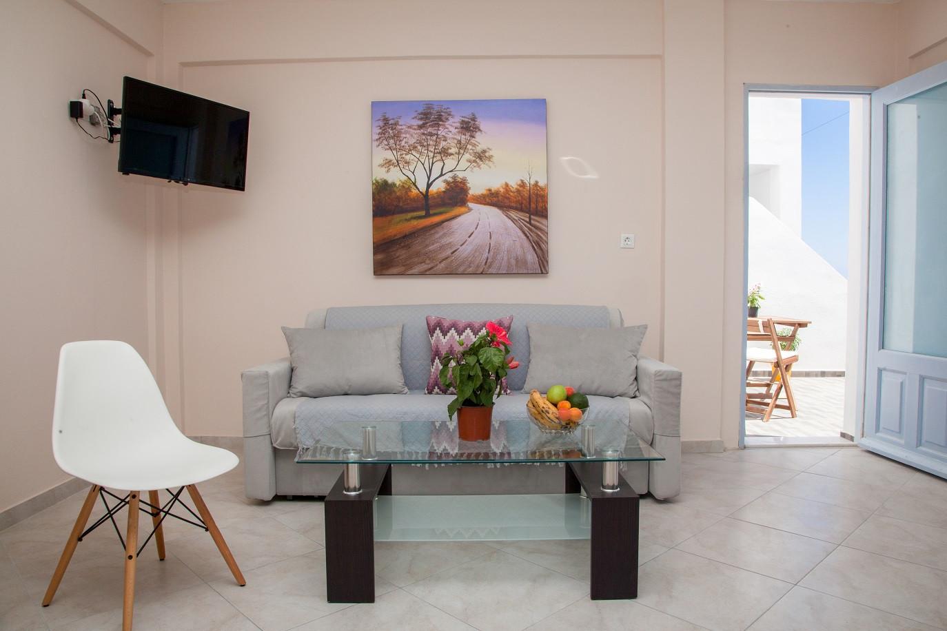 Superior (Veranda) Rm24 Living Area.jpg