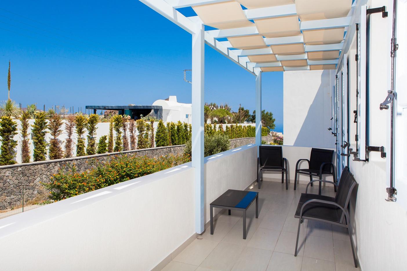 Deluxe Apartment (Rm5) main level balcon