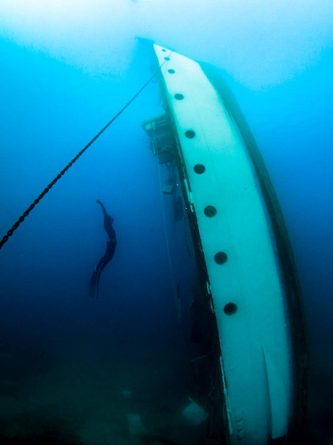 Freediving the wreck