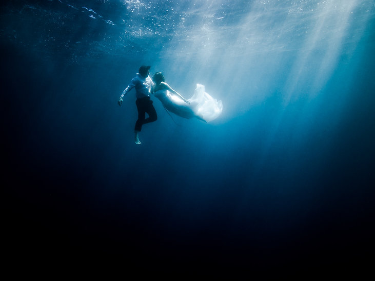 Underwater wedding and couples photography