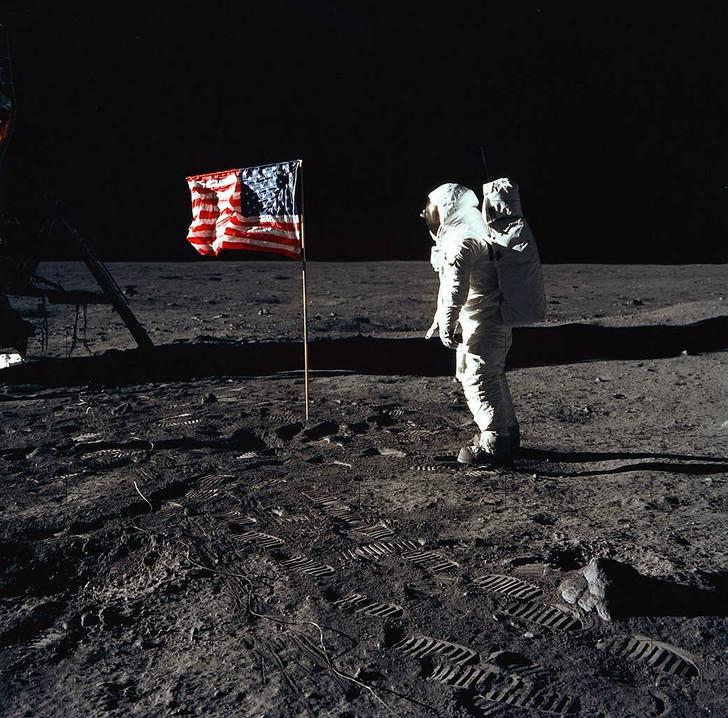 Apollo 11 Moonwalk
