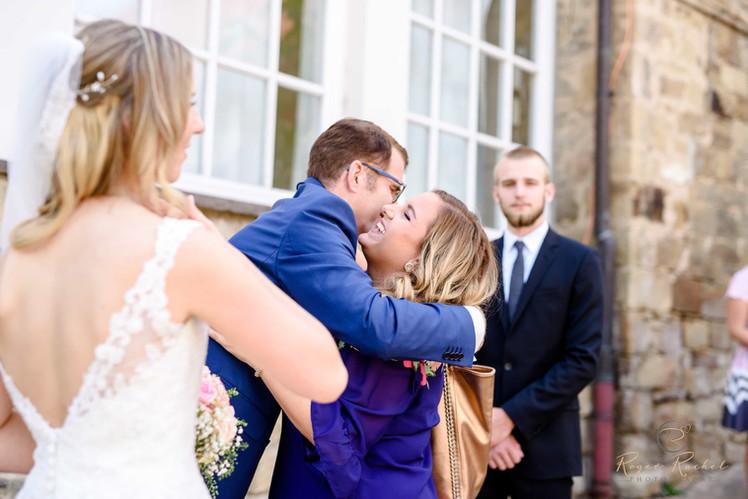 Nora Brandenburger mit Brautpaar
