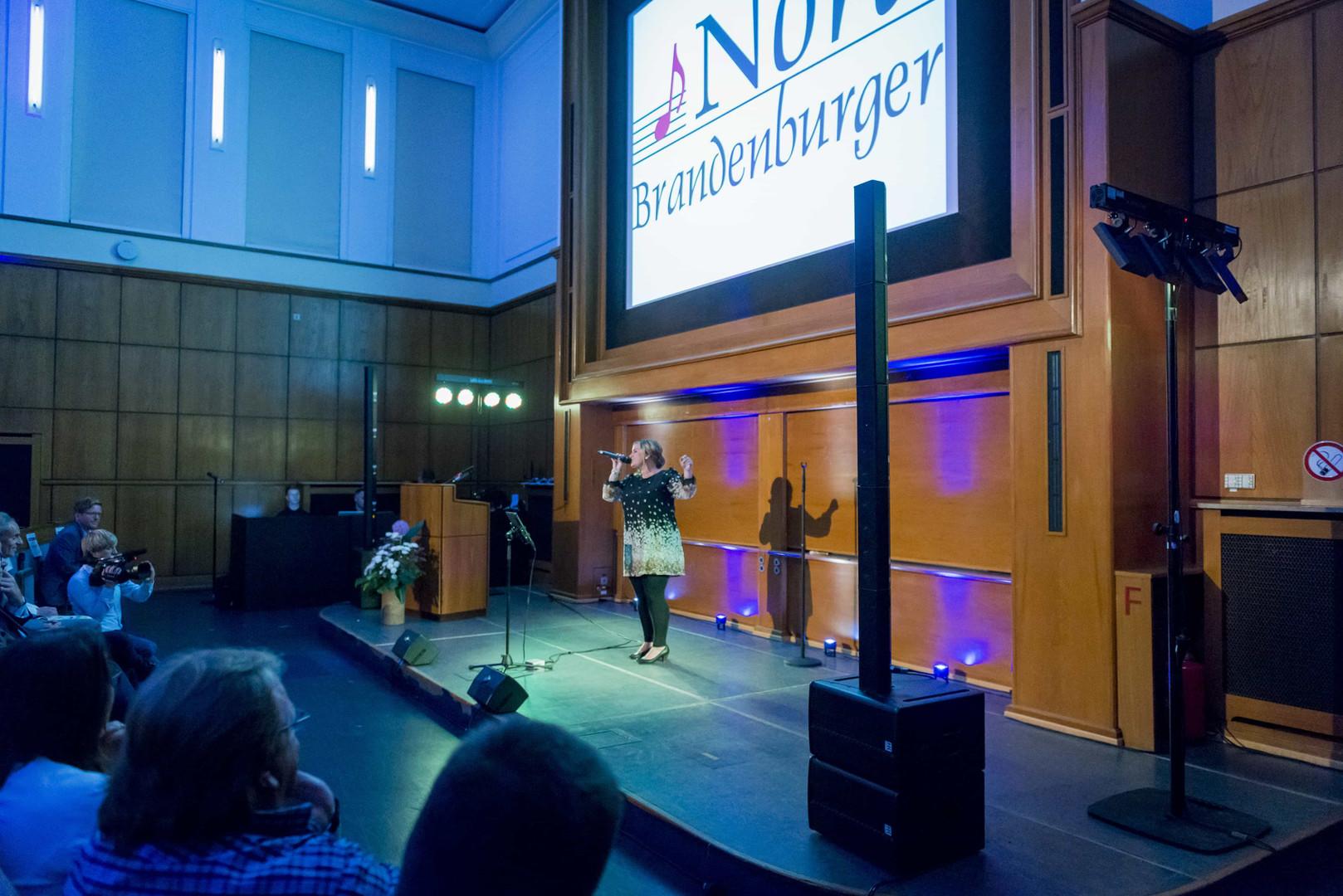 Nora Brandenburger bei Provadis Veranstaltung