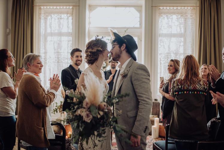 Bohemian Wedding, Traurednerin Nora Brandenburger