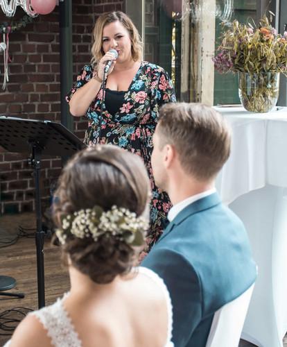 Hochzeitsrednerin Nora Brandenburger